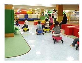 ルララ港北屋内遊戯施設のサーキットの画像