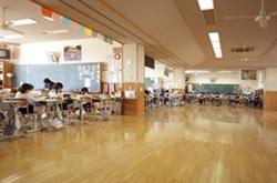カリタス小学校オープンスペースの教室