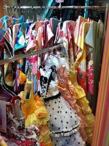 スタジオキャラット店内の衣装画像03