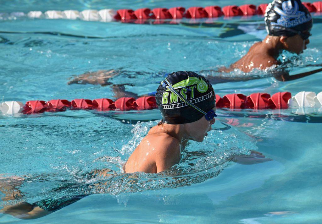 水泳で脳の力を伸ばす(イメージ画像)