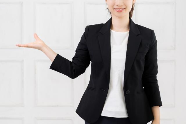 学研の家庭教師の講師を紹介する女性社員