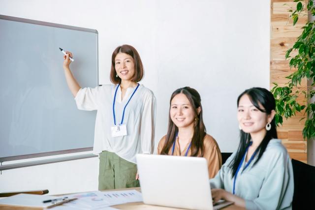 家庭教室のノーバスのオンライン家庭教師Netty以外のオンライン家庭教師ランキングをおすすめする女性
