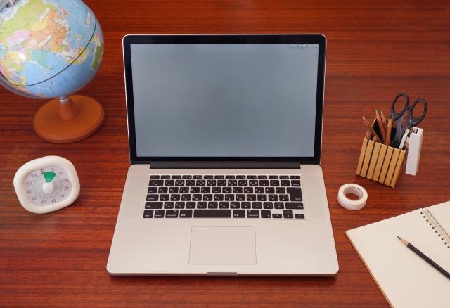 家庭教室のノーバスのオンライン家庭教師Nettyで必要な機材の一つパソコン